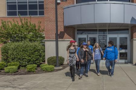 ECTC-students-walking-450×300